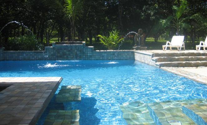 Guanacaste pools by us licensed contractor playa negra for Pool design costa rica